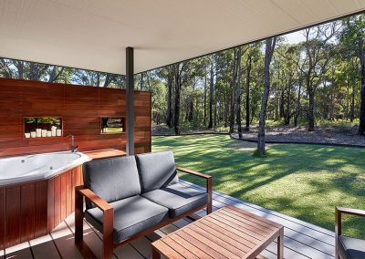 amaroo-retreat-chalet-Chalet-Deck